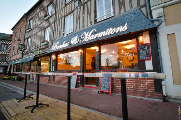 bacchus-marmitons-resto-bar-vins-amical-moyaux